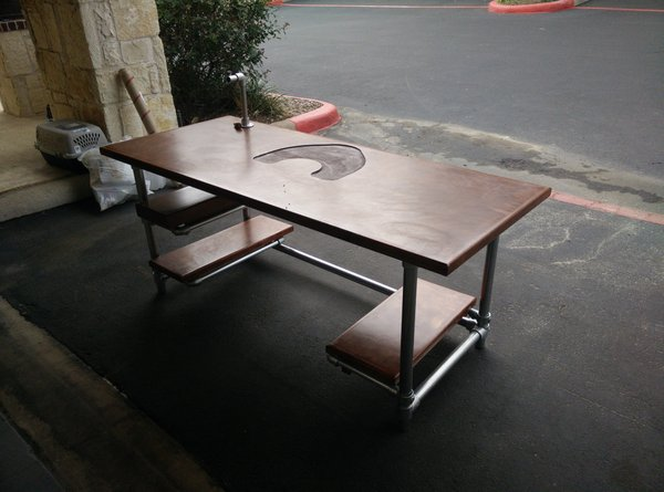 Custom DIY Industrial Pipe Desk for Gaming and Design