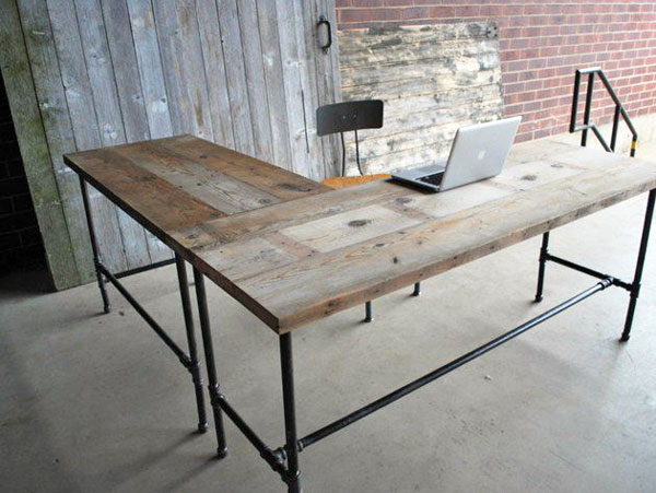 Building furniture with plumbing pipe the pros and cons for Plumbing pipe desk plans