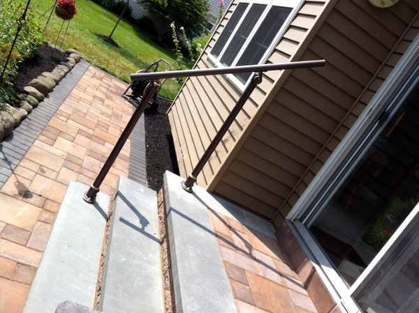 15 Customer Railing Examples For Concrete Steps