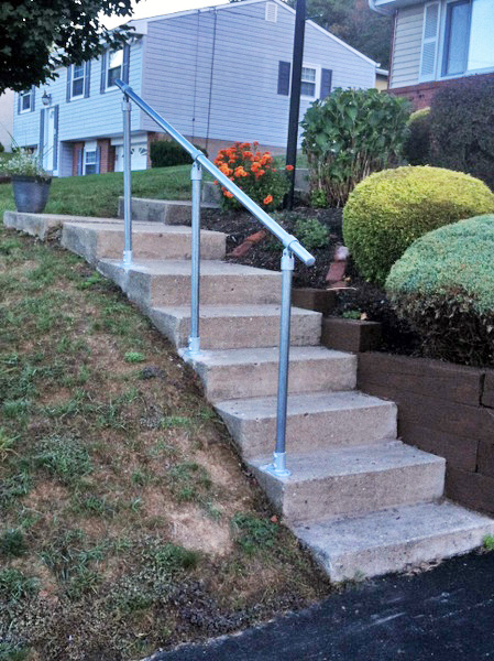 15 Customer Railing Examples for Concrete Steps ...
