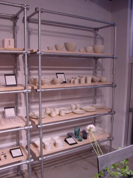 Ladenregal für Keramik