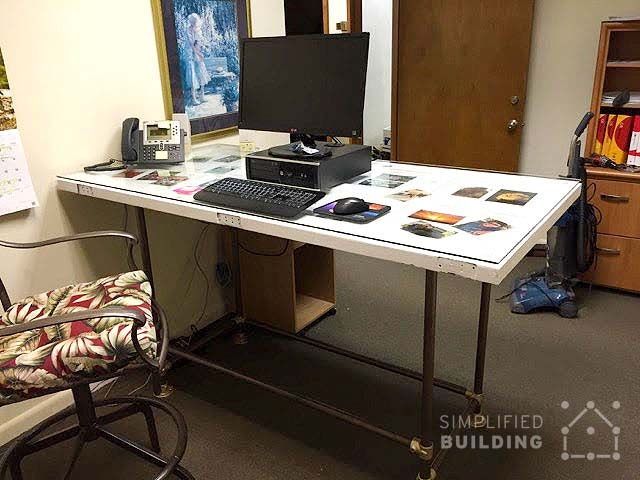 Good Pipe Standing Desk