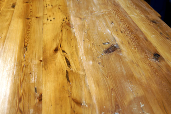 Sanding between coats of Polyurethane