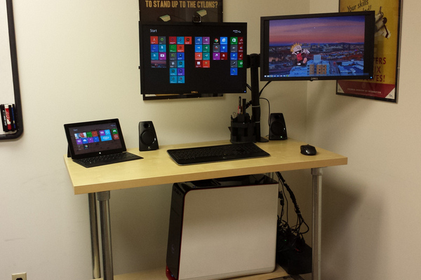 37 DIY Standing Desks Built with Pipe and Kee Klamp | Simplified ...