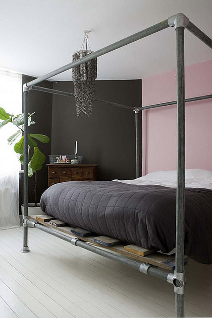 15 Beds Made From Pipe To Give Your Apartment Industrial