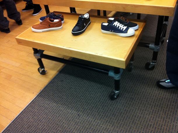 Kee Klamp Shoe Table