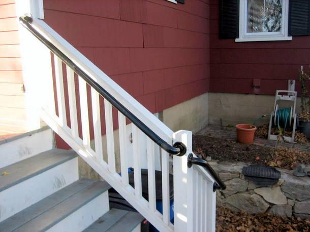 Metal Deck Railing - Stairs