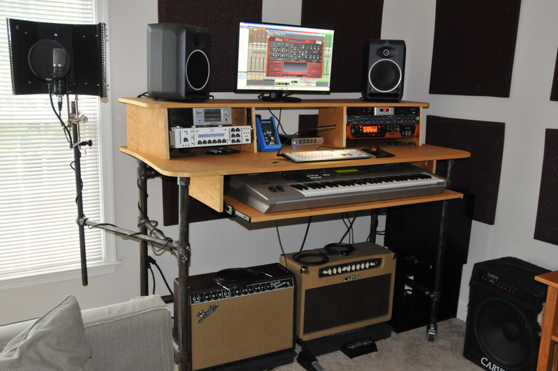 Rolling Recording Desk With Microphone Stand Blog