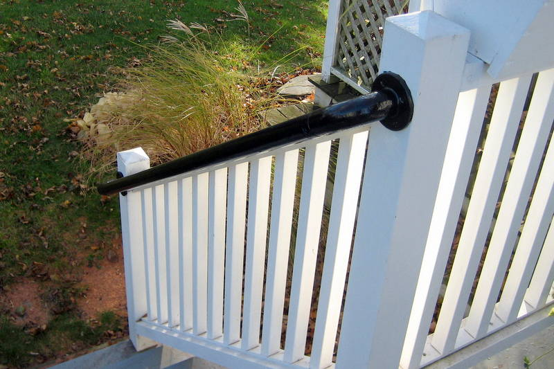 Easy To Install Metal Deck Railing