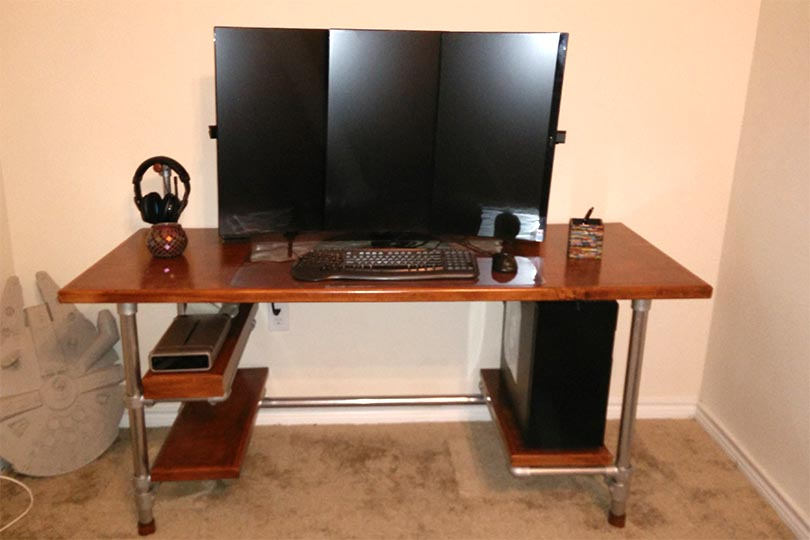 Finished Custom DIY Industrial Pipe Desk for Gaming and Design