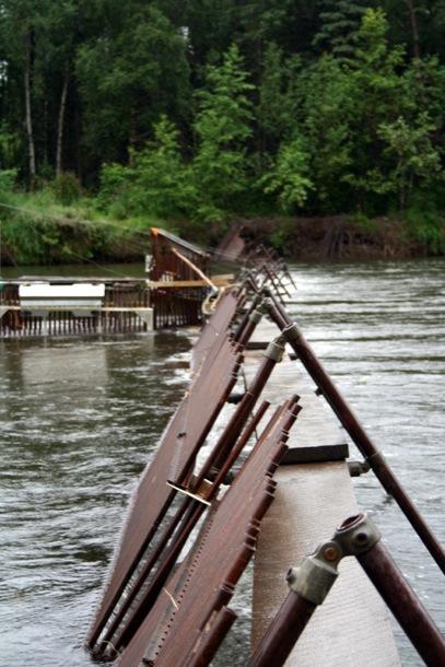 Kee Klamp Fishing Weir