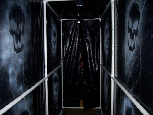 Scary pvc wall setup projects simplified building for Diy haunted house walls