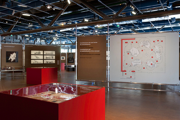 Rohrverbinder und Rohre für eine Ausstellung