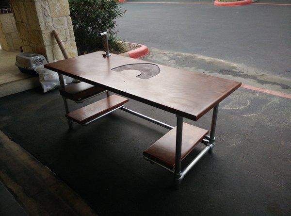 Gaming schreibtisch selber bauen  Höhenverstellbaren Tisch zum Zocken selber bauen - Projekte - Was ...