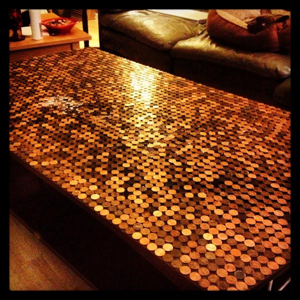 Tischplatte aus Münzen