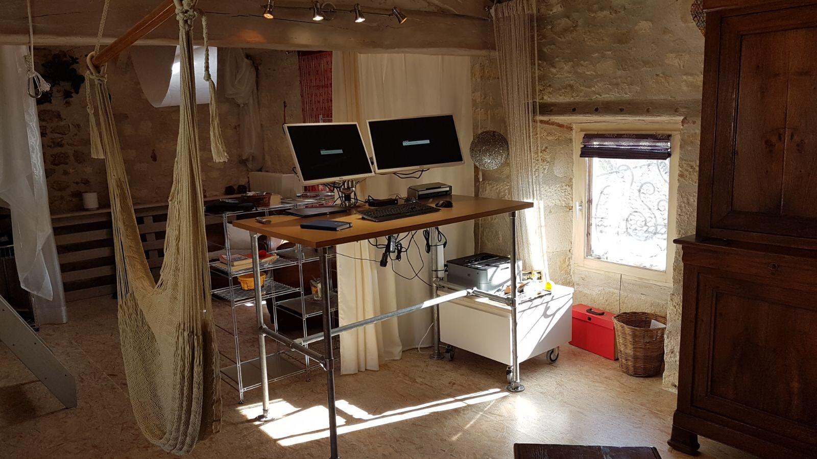 Concevoir soi m me son bureau debout sur mesure - Fabriquer son bureau sur mesure ...
