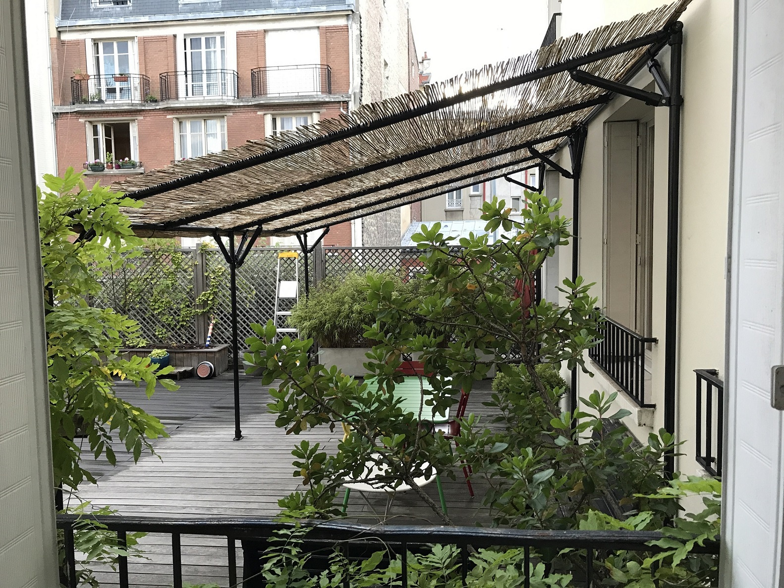 Une pergola adaptée à votre terrasse ou jardin, ça vous ...