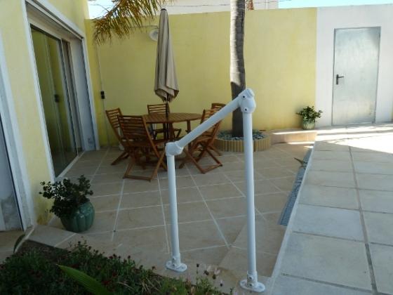 rampe pour les marches d une terrasse project sbc fr. Black Bedroom Furniture Sets. Home Design Ideas