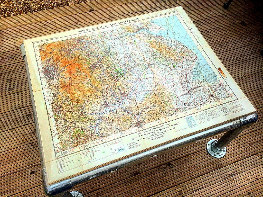 Map design Kee Klamp tube coffee table
