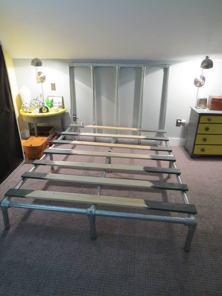 Kee Klamp bed