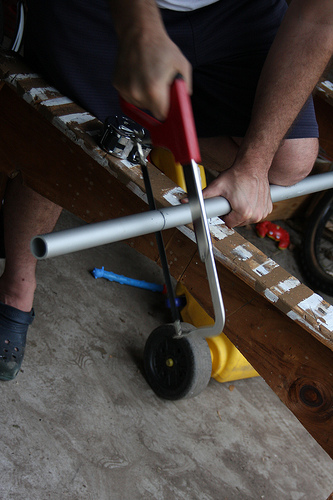 Couper le tube en aluminium