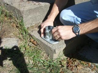 Marquer l'emplacement de l'embase au sol