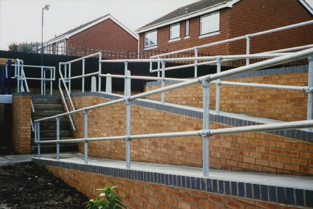 Pipe Railing for Ramps