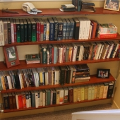 Build a Wall Mounted Bookshelf